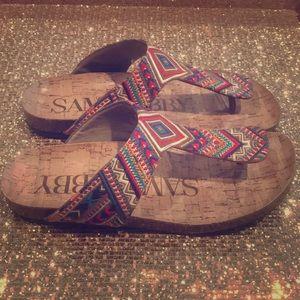 Sam & Libby Aztec sandals sz 8 EUC 💞